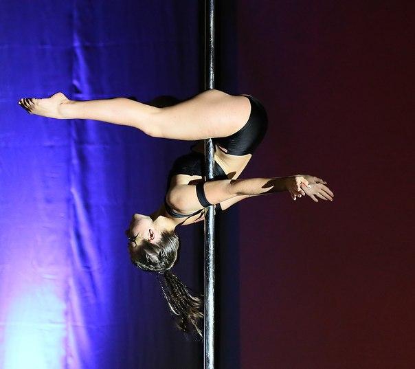 http://pole-dance-style.ru/images/cms/data/Pole_Sport_2014/karina_1.jpg